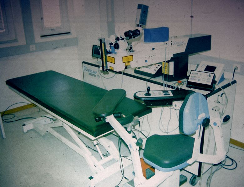 Prvi excimer laser korišćen za prve LASIK operacije